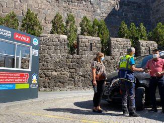 Beenden Sie die lästige Parkplatzsuche mit dem Park in der Kayseri Valet-Anwendung.