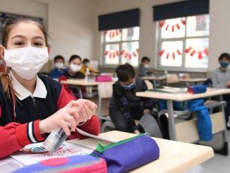 注意學校的covid預防措施