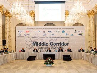 države srednjega pasu so se zbrale v Bakuju