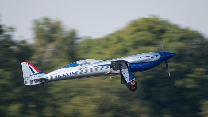 потпуно електрични авион роллс роицеа први пут се среће са небом