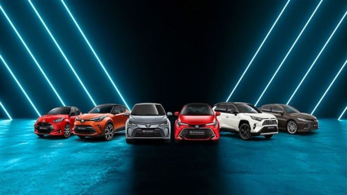 toyota focuses on green technologies and mobility at autoshow