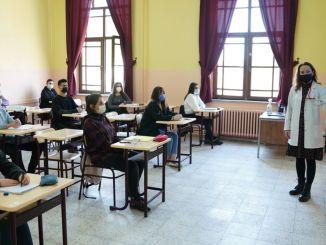 Support- und Schulungskurse sowie Präsenzstudenten können ebenfalls profitieren