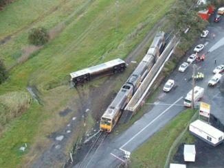 U Australiji se putnički voz zabio u napušteno vozilo