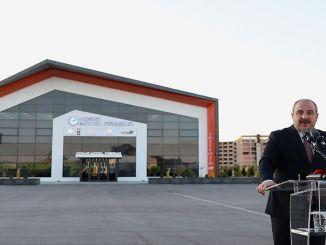 Minister Varank je govoril ob odprtju tovarne modelov Konya.