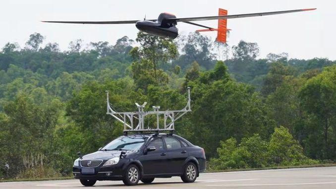 Chinesische Studenten haben mit der rund um die Uhr fliegenden Drohne einen neuen Weltrekord gebrochen.