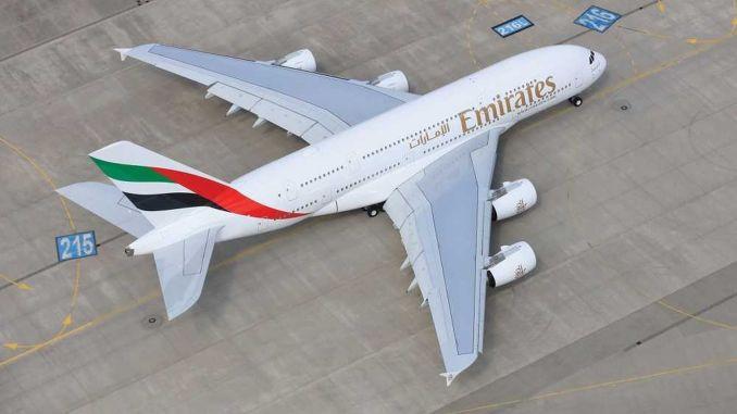 emirates a ucaginin istanbul havalimanina inisini kutluyor