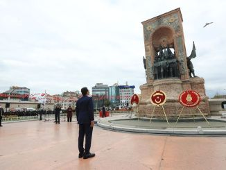 la libération d'istanbul de l'occupation ennemie a été célébrée à taksim