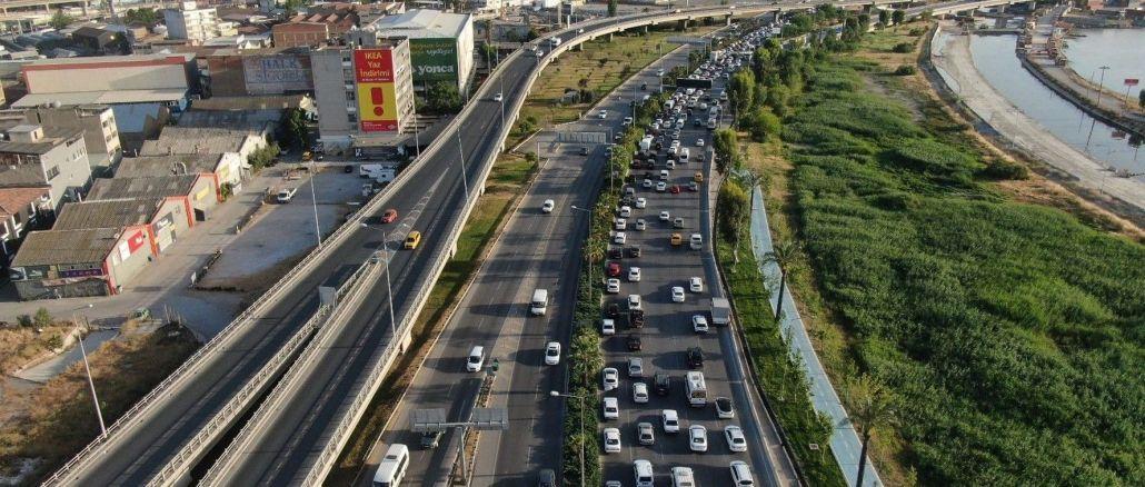 izmirde trafige kayitli arac sayisi eylul ayi sonu itibariyla milyon bin oldu