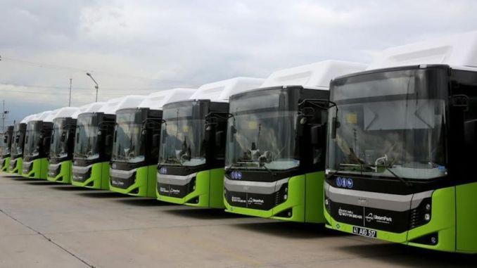 وصلت إحدى الحافلات التي استقلتها مدينة كوجالي العظيمة إلى المدينة.