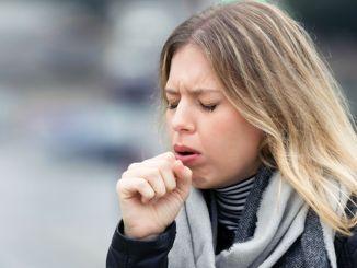 kašalj može biti uzrokovan alergijama ili astmom