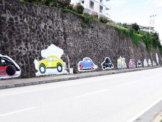 Vosvos-Graffiti färbt die Wände der Armee