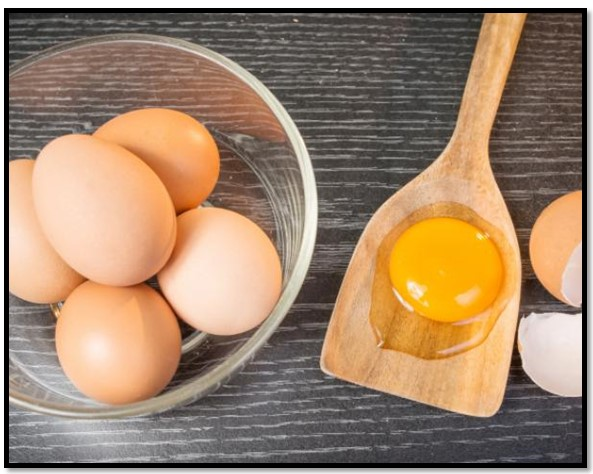 mascarilla de yema de huevo para el cabello