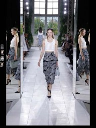 Balenciaga elegance tailored tweed emroiderry sequence print hip funky pop Spring Summer 2014 fashionweek paris london milan newyork nyc-10