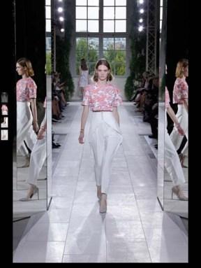 Balenciaga elegance tailored tweed emroiderry sequence print hip funky pop Spring Summer 2014 fashionweek paris london milan newyork nyc-16
