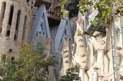 The incredible art of Gaudi architecture a day with gaudi