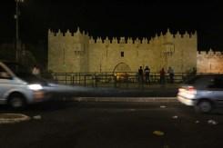باب العمود في اليل القدس