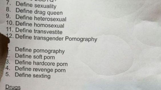 """112381768 mediaitem112381765 300x169 - O şcoală din Marea Britanie îşi cere scuze după ce şi-a pus elevii să caute """"pornografie"""" pe net"""