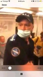 """109557385 1520147028175240 2969164661402524385 n 169x300 - Un tânăr a fost încătuşat şi amendat pentru că NU purta masca """"CORECT"""" - un jandarm avea mască sub nas"""
