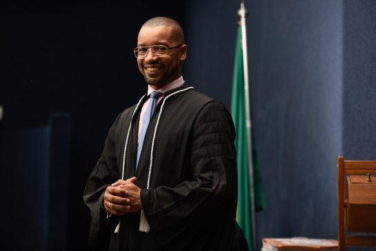 Da roça ao Tribunal: Juiz dormia em escola para não perder aulas 2