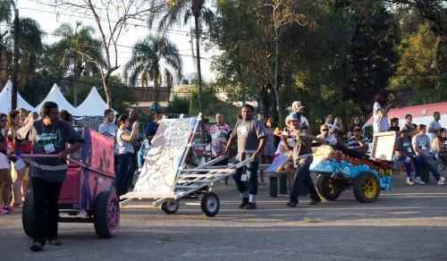 Pimp My Carroça reforma carroças catadores sp