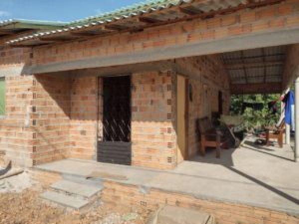 Casa de dona Katia está terminando de ser construída
