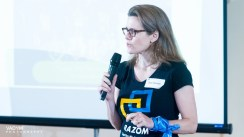 Dora Chomiak, Razom Board member, thanked donors for their support and spoke about how hundreds of small monetary contributions add up to show larger donors that Razom projects are supported by a broad community.