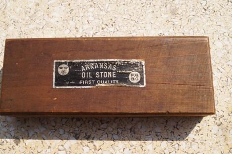 "Arkansas Oil Stone ""Finest Quality"" marque F.G.B.C. / Arkansas Öl Stein ""Feinste Qualität"" Marke F.G.B.C.. Thanks to Jörg (Jollo74)!"