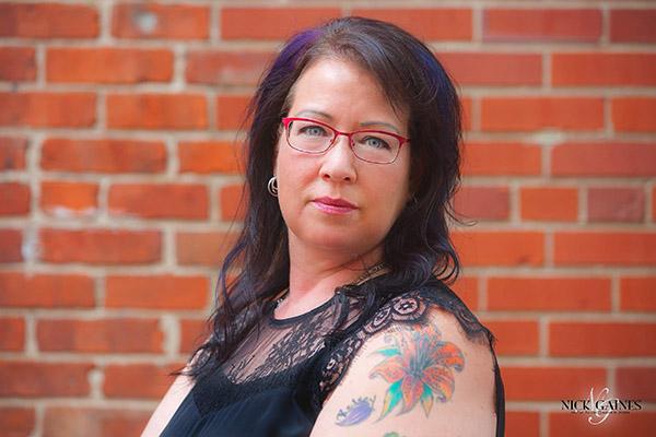Lori Ann at Razor's Edge