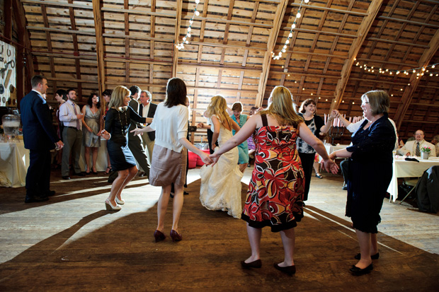 Simpson Barn des moines wedding dancefloor