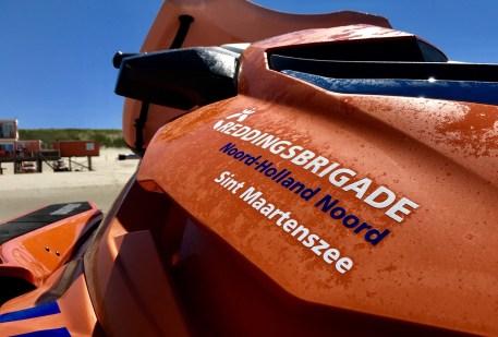 Close-up van de waterscooter van reddingsbriagde Sint Maartenszee