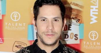 Prestes a voltar para a TV, Christian Chávez fala sobre seu novo single
