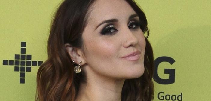 Vídeos: Dulce María em entrevistas no Kids Choice Awards México
