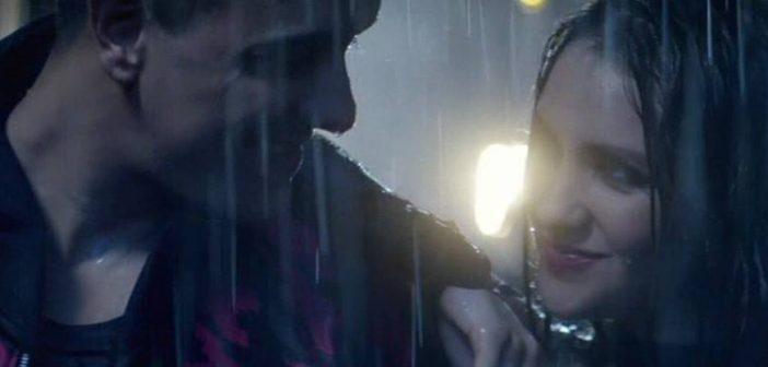 """Vídeo: Assista """"Volvamos"""", o clipe de Dulce María em parceria com Joey Montana"""