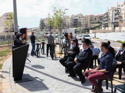 עליזה בלוך בטקס חניכת רחוב על שם אברהם שפירא