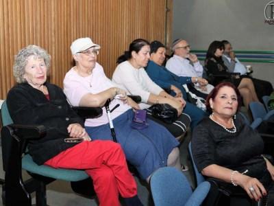 תושבי העיר שבאו לצפות באירוע