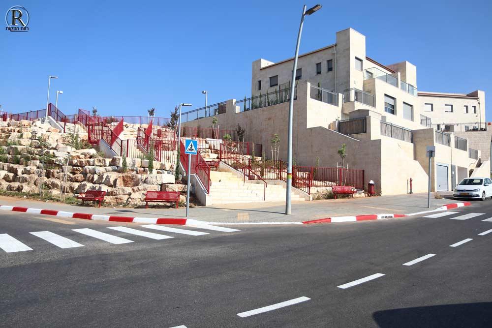 סימון כבישים בשכונת בנימין