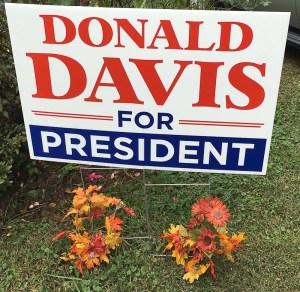 Storyteller and humorist Donald Davis' lawn sign in Jonesborough, TN.