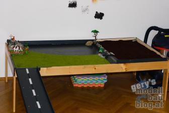 """Das ist das """"Diorama"""" mit selbst gebauter Auffahrt."""