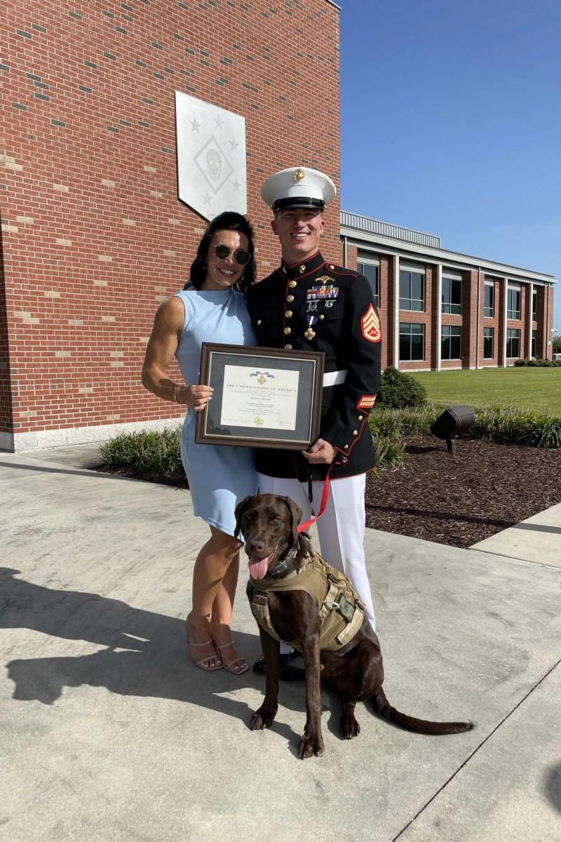 hanah and nick jones at his navy cross ceremony