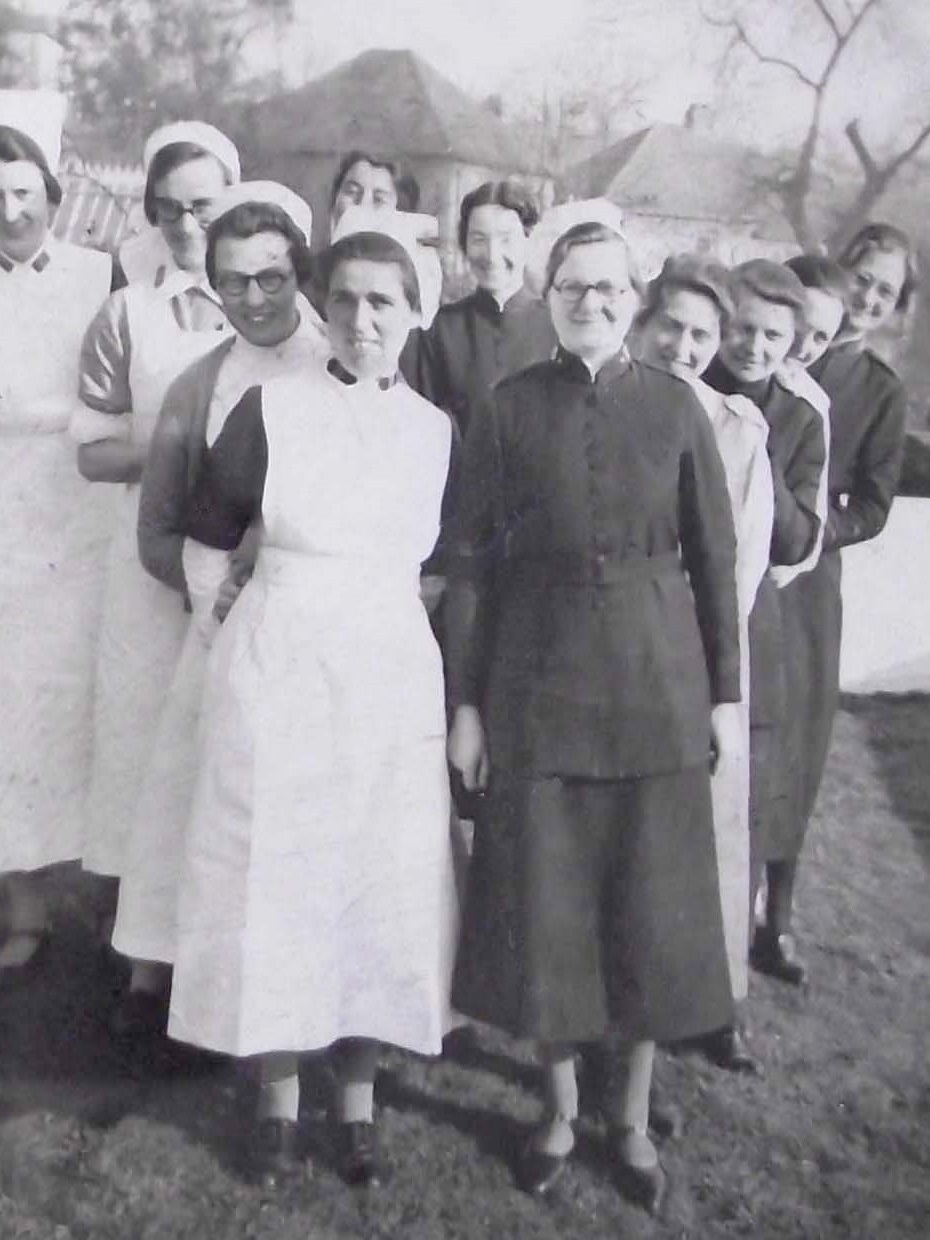 Florence Wright, midwife (front left) and her Salvation Army colleagues in 1939 (personal collection of Lyn Wright)