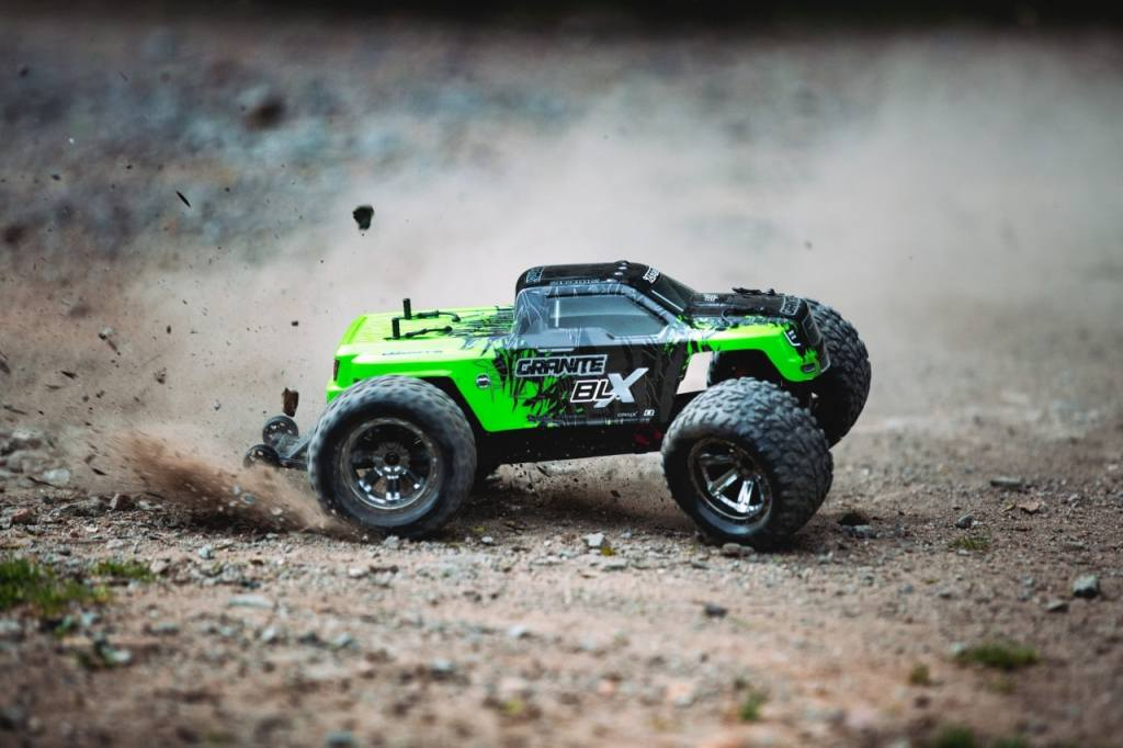 arrma-granite-blx-outdoors