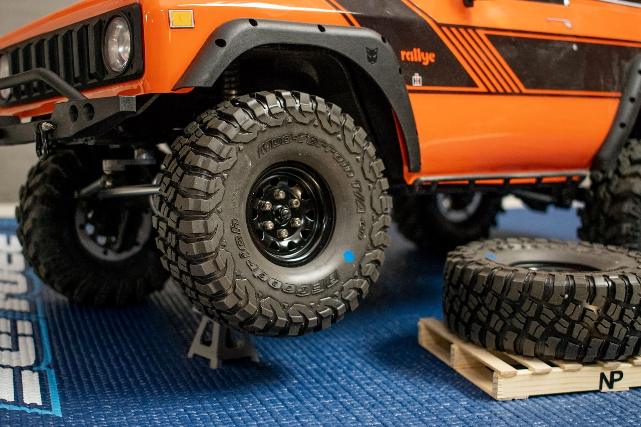 Pro-Line BFGoodrich KM3 Predator Tires - Installation 2
