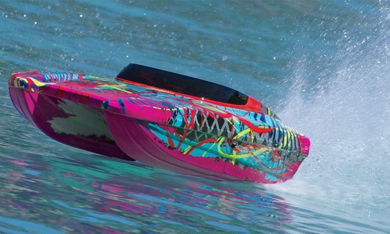 Make Waves with the DCB M41 Widebody R/C Boat from Traxxas