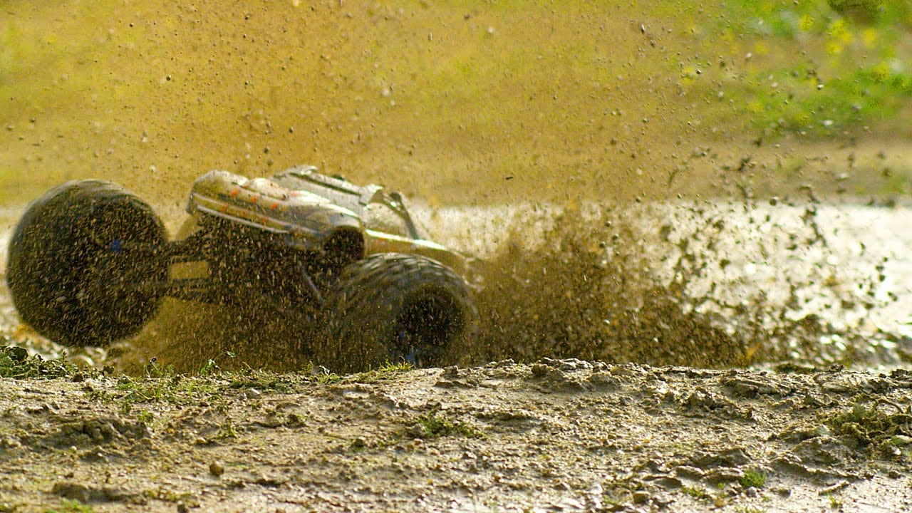 Mud Boggin' with the Traxxas E-Revo [Video]