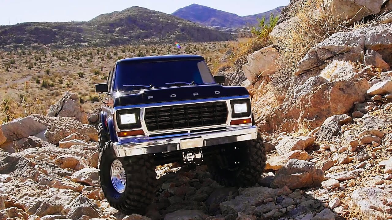 Into the Desert with the Traxxas TRX-4 Ford Bronco [Video]