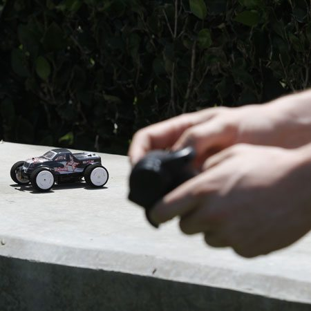 2014 BeatBox and KickFlip: ECX RC's New, Mean Micro Machines