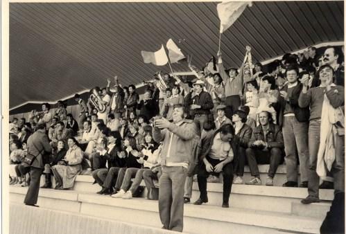 Les supporters … Sens pour le match de mont'e