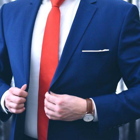 Červená jednofarebná kravata zo zamatovo jemného hodvábu