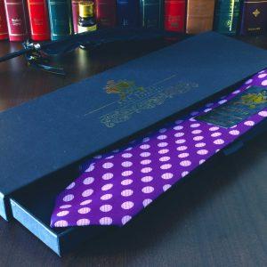 Fialovo ružová bodkovaná kravata hodvábna