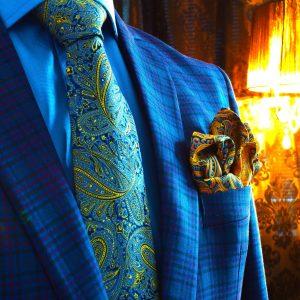 luxusný pánsky hodvábny darčekový set modro žltý s vreckovkou do saka a manžetové gombíky